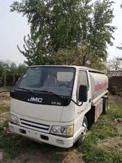 China Diesel Used Tanker Trucks Oil Transportation JMC Used Refueling Truck 5 Ton supplier