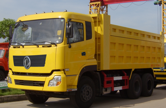 DONGFENG Brand Used Dump Truck 85 Km/H Max Speed With B210 33 Engine