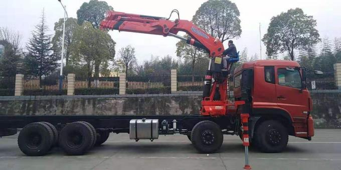 Red Stretchable Arm Heavy Duty Crane Truck Left Hand Steering 15 - 30 Ton