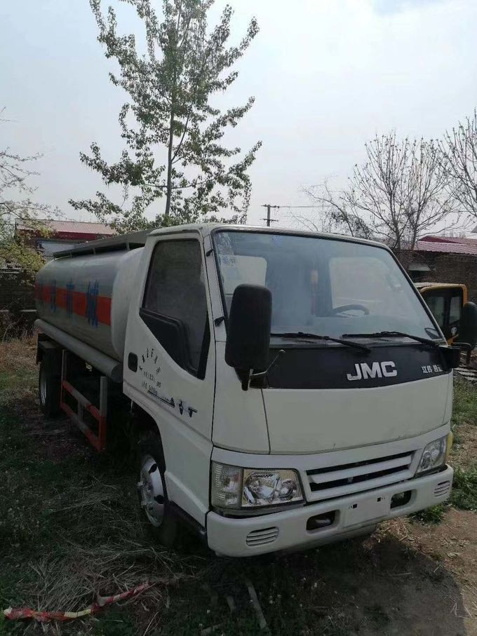 Diesel Used Tanker Trucks Oil Transportation JMC Used Refueling Truck 5 Ton